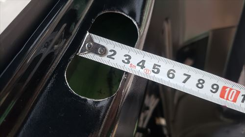 クォーターガラス下に穴開けサイズ縦-ハイエースに後付エアコン