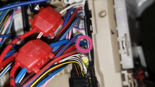 プラスコントロールのドアロック信号線-ハイエース3型