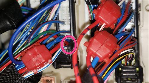プラスコントロールのドアアンロック信号線-ハイエース3型